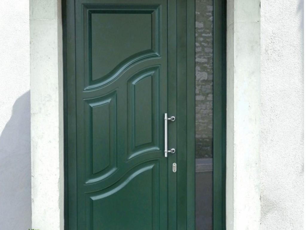 Door in aluminium