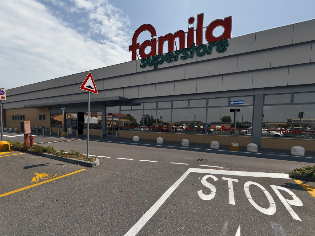 Supermarket Famila
